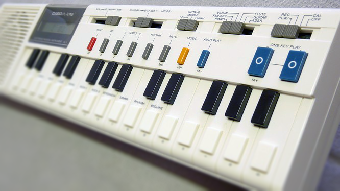 Un piano Casio VL-1